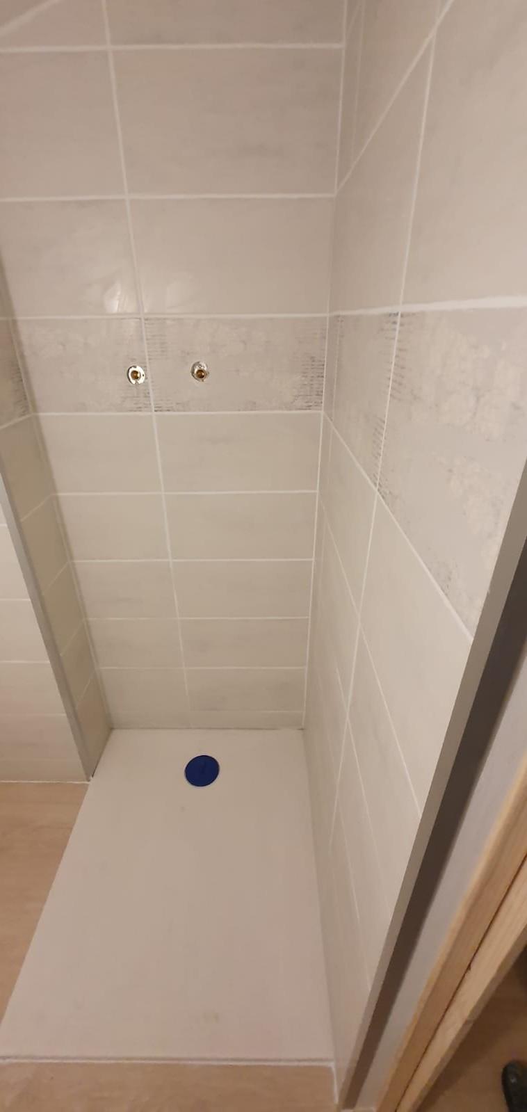 Création douche dans combles aménagées