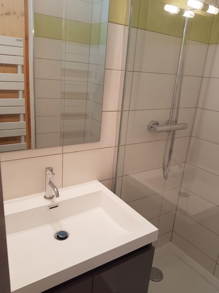 Réalisation salle d'eau - douche + lavabo