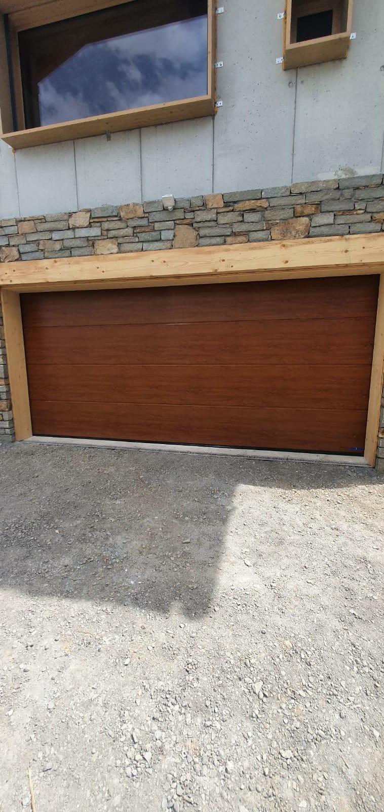 Mise en place d'une porte de garage