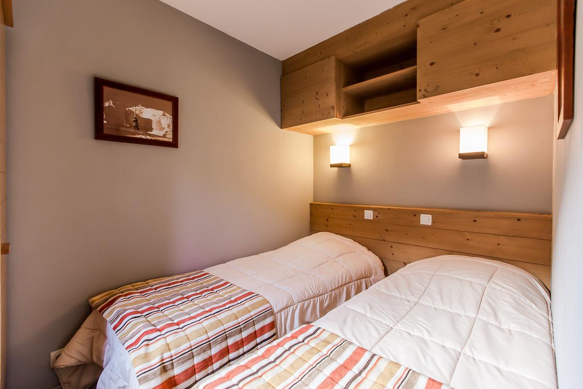 Chambre : murs et plafond